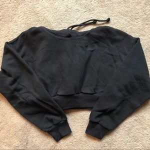 🔥 Aritzia TNA cropped perfect hoodie